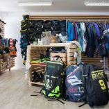 kitesurfing_at_shop