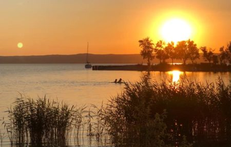 When the sun goes down  #kitesurfingat #podersdorfamsee #neu...